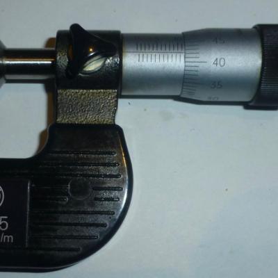 Micromètre à disque non rotatif BOCH 0-25 mm 0,01 mm/L