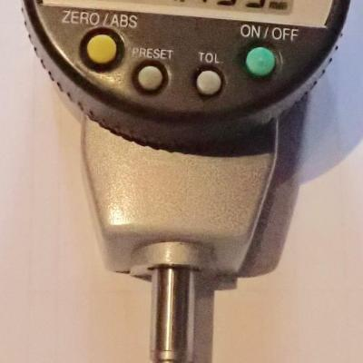 Mitutoyo Absolute Digital Metric Indicator 25,4mm, 0,003 mm, dos plat