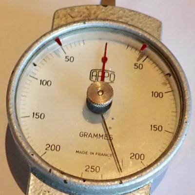 Dynamomètre arpo 0 à 250 grammes