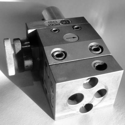 Porte outils réglable, a coulisses PCM 1701 + PCM 1750+1831